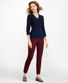 SVETR BROOKS BROTHERS CABLE-KNIT CASHMERE V-NECK SWEATER